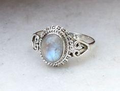 Moonstone Ring Rainbow Moonstone Ring stone by gemsjewellry1