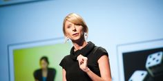 According to Professor Amy Cuddy, the best way to catch a lie is to look for differences between what people are saying and what they are doing.