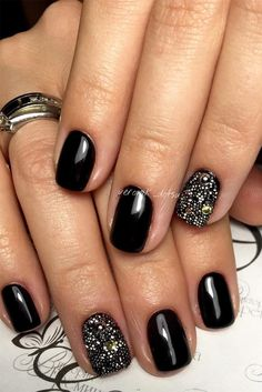 Summer Nail Designs You Should Try in August ★ See more: http://glaminati.com/summer-nail-designs-try-august/