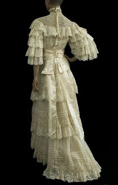 Valenciennes lace wedding dress from the Vintage Textile archives.Not a huge fan of all the ruffles, but it's still amazing :) Antique Wedding Dresses, Vintage Gowns, Vintage Bridal, Vintage Outfits, Lace Wedding, Wedding Gowns, Dress Vintage, Vintage Lace, 1890s Fashion