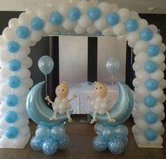 decoracion de globos para bautizo de niño arco