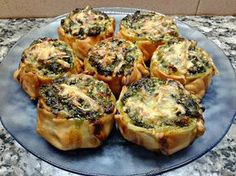 CANASTITAS DE ESPINACA Y 3 QUESOS | Caserissimo Veggie Recipes, Vegetarian Recipes, Diet Recipes, Cooking Recipes, Healthy Recipes, Empanadas, Tapas, Quiches, Bien Tasty