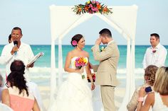 Beach wedding at the Iberostar Paraiso Lindo, Riviera Maya.  Mexico wedding photographers Del Sol Photography