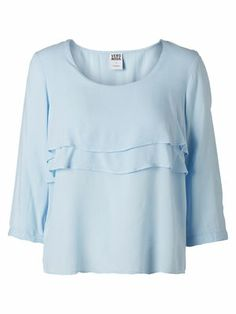 Cute pastel blue shirt from VERO MODA. Perfect for your next summer look. #veromoda #pastel #blue #fashion