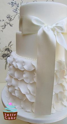 Frills Wedding Cake, via Flickr.
