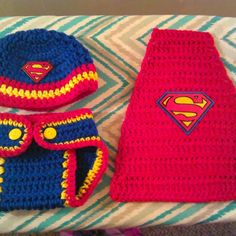 Newborn Crochet Superman outfit by me :-). Crochet Cross, Crochet Motif, Crochet Patterns, Crochet Hats, Crochet Ideas, Crochet Baby Costumes, Crochet Baby Clothes, Newborn Crochet Outfits, Bebe Superman