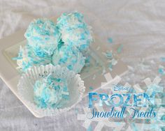 Disney's FROZEN Snowball Treats Recipe - Perfect for a Frozen themed birthday party or for snacking while watching the movie!