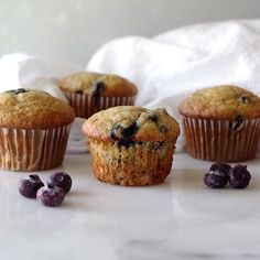 Tender, simple to make and bursting with tangy blueberries, this gluten-free blueberry banana muffin recipe is going to be your new favorite go-to gluten-free muffin recipe. These are the best gluten-free blueberry banana muffins. Gluten Free Recipes Videos, Gluten Free Recipes For Breakfast, Gluten Free Desserts, Dessert Recipes, Scd Recipes, Recipe Videos, Recipes Dinner, Healthy Recipes, Gluten Free Blueberry Muffins