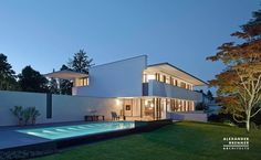Modern house in Germany. SOL house by Alexander Brenner Architects. Minimalist Architecture, Modern Architecture, German Architecture, Alexander Brenner, Double Story House, Houses In Germany, Art Nouveau, Building Section, Architectural Section