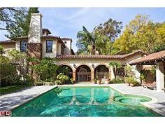 Mel Gibson Former #Home #celebrity http://blog.homes.com/2010/10/inside-celebrity-homes-for-sale/