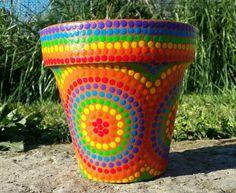 Macetas pintadas a mano/ hand painted flowerpots Clay Flower Pots, Mosaic Flower Pots, Mosaic Pots, Clay Pots, Painted Plant Pots, Painted Flower Pots, Clay Pot Crafts, Rock Crafts, Pottery Painting Designs