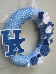 University of Kentucky Wreath, polkadot ribbon with Rose Style felt flowers and ribbon loop leaves