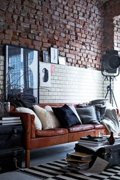 Cool wall!!   GANT home