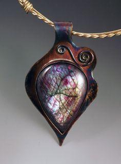 Gorgeous purple labradorite pendant... want, really, really want!