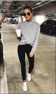 Casual outfits: Fall what leggings to wear with dress this A. sunglasses Fall what leggings to wear with dress this Autumn - fall dresses Mode Outfits, Winter Outfits, Fashion Outfits, Fashion Trends, Sneakers Fashion, Style Fashion, Feminine Fashion, Fashion Trainers, Fashion Ideas