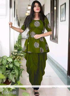 Pakistani Frocks, Simple Pakistani Dresses, Pakistani Dress Design, Pakistani Bridal, Pakistani Outfits, Indian Bridal, Stylish Kurtis Design, Stylish Dress Designs, Designs For Dresses