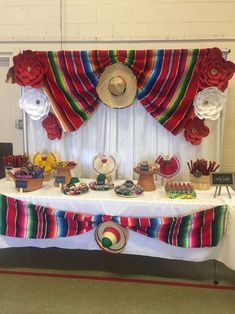 Quinceanera Party Planning – 5 Secrets For Having The Best Mexican Birthday Party Mexican Theme Baby Shower, Mexican Fiesta Birthday Party, Fiesta Theme Party, Party Themes, Mexico Party Theme, Party Ideas, Fiesta Cake, 2 Birthday, Mexican Party Decorations