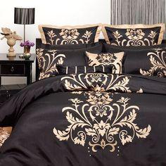 Trendy bedroom black comforter home ideas Furniture, Bed Decor, Home, Bedroom Makeover, Gold Bedroom, Bedroom Design, Interior Design, Bedding Sets, Interior Design Bedroom