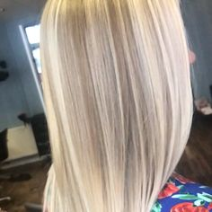 Trendfrisuren Joe, akkurater Mittelscheitel oder People from france Trim Kick the bucket Frisurentrends 2020 Blonde Hair With Highlights, Brown Blonde Hair, Brunette Hair, Dark Auburn Hair, Dark Hair, Curling Thick Hair, Curls For Long Hair, Caramel Hair, Ombre Hair