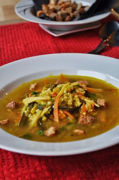 Falešní rybí polévka s jáhlami Thai Red Curry, Ethnic Recipes, Food, Hoods, Meals