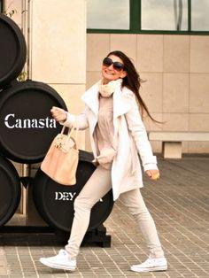tourquesa Outfit   Invierno 2011. Combinar Gafas Negras H