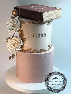 graduation cake Once upon a time Cake by Silvia Caballero Raspberry Smoothie, Apple Smoothies, Recipe For Teens, Pear Cake, Pistachio Cake, Bowl Cake, Girl Cakes, Savoury Cake, Chocolate Desserts