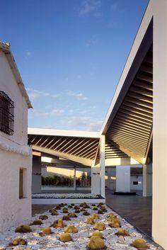 Paredes Pedrosa Arquitectos, Luis Asin · Bodegas Real Winery · Divisare