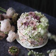 Full flower cake   .  Buttercream flowercake   _    #플라워케이크  #플라워케익  #대구플라워케이크   #버터크림플라워케이크   #꽃 #꽃케이크 #꽃스타그램   #케이크   #메종올리비아   #베이킹 #베이킹그램    #flowercake  #flower  #buttercreamdecorating   #buttercreamflowercake #buttercream   #buttercreamcake #koreaflower #koreanflowercake  #koreabuttercreamflower #koreabuttercreamcake  #koreaflowercake  #bakingram #cake #orchidcake #maisonolivia