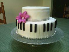 Piano music cake