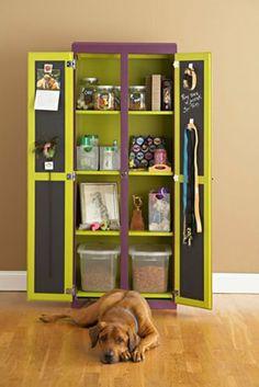 Armário para organizar todas as coisinhas do cachorro! Lindooooo!!!