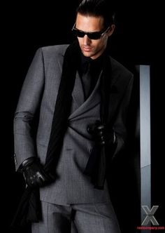 Giorgio Armani suit for men. Celebrities in Giorgio Armani: Kobe Bryant, George Clooney, and Frank Lampard. Look dapper and chic in these Armani suits. Fashion Moda, Look Fashion, Mens Fashion, Bridal Fashion, Sharp Dressed Man, Well Dressed Men, Giorgio Armani, Emporio Armani, Armani Suits