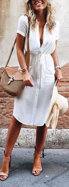 This white shirt dress but in maxi length would be so perfect for my holiday. She looks stunning though