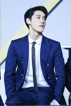 Cre : on pic Nct 127, Winwin, Taeyong, K Pop, Nct Doyoung, Boy Idols, Wattpad, Jung Jaehyun, Suits