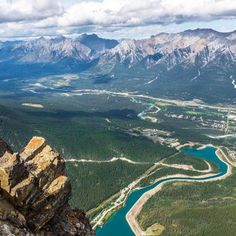 Ha Ling Peak, Canmore, Canada via @robintuck1