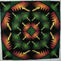 "George Siciliano Design ""Glow in the dark"" x work and 1020 pieces! Quilting Tutorials, Quilting Projects, Beginning Quilting, Log Cabin Quilts, Log Cabins, Pineapple Quilt, Paper Pieced Quilt Patterns, Fall Quilts, Miniature Quilts"