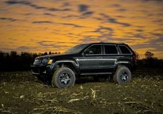 Lifted Jeep Grand Cherokee..