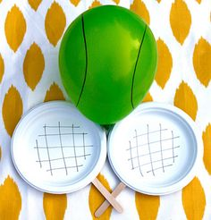 Toddler tennis: Sturdy popsicle sticks, paper plates and a balloon! This is more like badminton though. Preschool Crafts, Toddler Activities, Preschool Activities, Crafts For Kids, Kids Sports Crafts, Sports Activities For Kids, Preschool Education, Tennis Crafts, Toddler Sports