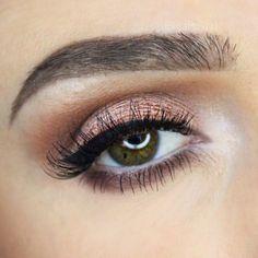 Curti esta maquiagem nos olhos, farei mais tarde hehehe #regram @loraccosmetics ❤️ (em Snapchat Blogsenhorita)