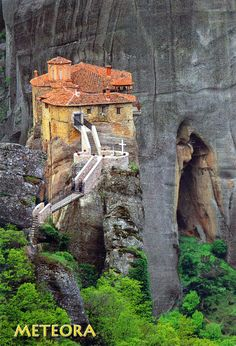 Monastary of Rousanou, Meteora, Grecia Wonderful Places, Beautiful Places, Places To Travel, Places To Go, Greek Blue, Paradise On Earth, World Heritage Sites, Travel Posters, Beautiful World