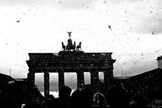 "Pillow fight flashmob in Berlin. ""Brandenburger Tor"" by Jonathan Adami."