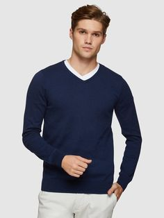 Cotton Cashmere V-Neck Pullover Mens Trousers Casual, Trouser Suits, Oxford Online, Polo Tees, Iconic Australia, Slim Man, Workout Shirts, Mens Suits