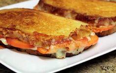 Sándwiches de tomate y queso a la plancha