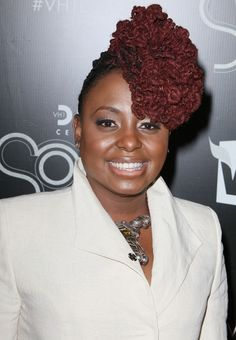 Ledisi's colour is amazing, and I'm loving the front side bun do