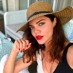 Beauty Make Up, Hair Beauty, Turkish Beauty, Turkish Actors, Rihanna, Panama Hat, Beautiful Women, Selfie, Hats