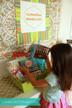 Ramadan gift baskets to include new prayer clothes or a prayer mat/beads, etc. An educational book/game and a ramadan journal. A sticker chart for older kids trying to fast half/full days. Eid Crafts, Ramadan Crafts, Ramadan Decorations, Crafts For Kids, Eid Ramadan, Ramadan Mubarak, Ramadan Celebration, Ramadan Activities, Craft Activities