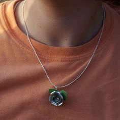 Make Rose Pendants From Aluminum Cans — Saved By Love Creations Unusual Jewelry, I Love Jewelry, Jewelry Making, Recycled Jewelry, Recycled Crafts, Diy Crafts, Necklace Length Chart, Jewelry Crafts, Diy Jewellery