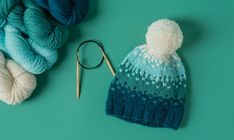 Easy Ombre Hat Knitting Pattern Sip stitch Ombré, faux Fair Isle Sie Mütze Ombre This Ombré Hat Has a Secret (a Slip-Stitch Secret! Slip Stitch Knitting, Double Knitting, Simple Knitting, Knit Stitches, Fair Isle Knitting Patterns, Knit Patterns, Knitting Ideas, Free Knitting, Knitting Projects
