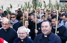 En Alicante, conversando durante la romería al Monasterio de La Santa Faz
