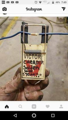 Wire third hand