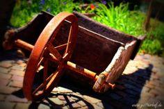 Schubkarre im Garten Cannon, Leather, Wheelbarrow, Lawn And Garden, Flowers